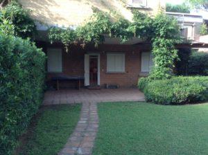 facciata frontale quadrilocale in vendita a Punta Ala